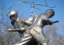Металлурги. Скульптура в Новокузнецке. Фото Д.Борко/Грани.Ру