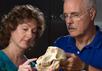Блайз Вильямс (Blythe Williams) и Ричард Кей (Richard Kay) в лаборатории Университета Дьюка. Фото с сайта news.duke.edu