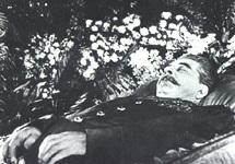 Иосиф Сталин. Фото с сайта www.celebritymorgue.com