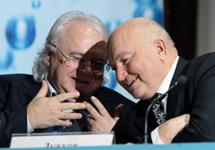 Виктор Петрик и Юрий Лужков. Фото с сайта www.goldformula.ru