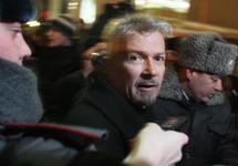 Задержание Эдуарда Лимонова на Триумфальной площади. Фото Людмилы Барковой
