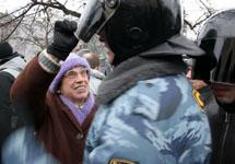 ОМОН. Фото из Живого Журнала Романа Доброхотова.