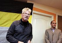 """Эдуард Лимонов на региональной конференции """"Другой России"""". Фото с сайта www.drugros.ru"""