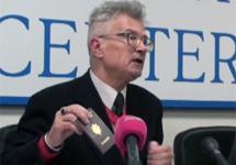 Эдуард Лимонов отказывается от французского гражданства. Кадр Грани-ТВ