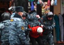 Задержание в Апраксином дворе. Фото: rusk.ru