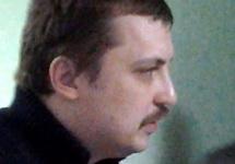 Михаил Косенко в коридоре суда. Фото: Грани.Ру