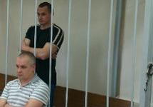 Олег Сенцов и его адвокат Дмитрий Динзе. Фото Д.Зыкова