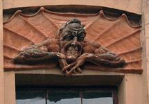 Фигура Мефистофеля на доходном доме Лишневского. Фото: citywalls.ru