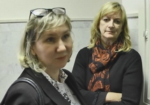 Британские дипломаты на суде над Екатериной Вологжениновой. Кадр NDNews