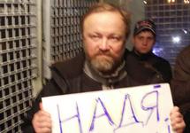 Олег Богданов и Максим Чеканов (сзади) в автозаке после задержания на Триумфальной. Фото Елены Захаровой