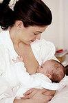 Кормящая мать. Фото с сайта dakhno-dental.com.ua