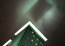 Нимб над зданием ЮКОСа. Фото Дмитрия Борко/Грани.Ру