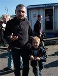 Сергей Аксенов с сыном Иваном. Фото Е.Михеевой/Грани.Ру
