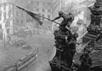 Флаг победы над Рейхстагом. Фото с сайта Православие.Ру