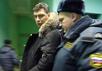 Борис Немцов отправляется отбывать 15 суток ареста. Кадр Грани-ТВ