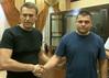 Алексей Навальный и Петр Офицеров. Кадр трансляции