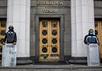 Майдановцы в карауле у Верховной рады. Фото: А.Стенин/РИА Новости