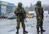 Вооруженные люди у здания аэропорта Симферополя, 28.02.2014. Фото: А.Стенин/РИА Новости