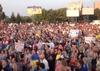 Митинг в Мариуполе. Кадр видеозаписи.