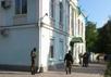 Автоматчики у здания Меджлиса. Фото: krymr.org