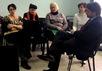 Участницы голодовки с депутатом Александром Ющенко. Фото: andrey-konoval.livejournal.com