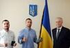 Антон Азизбекян и Сергей Михалок с главой ГМС Украины Сергеем Радутным. Фото: dmsu.gov.ua