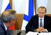 Дмитрий Рогозин и Владимир Путин обсуждают новую морскую доктрину. Фото: kremlin.ru