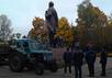 Снос памятника Ленину в Новгороде-Северском. Фото: espreso.tv