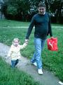 Алексей Соколов с дочерью. Фото с сайта master-sudtyajb.narod.ru