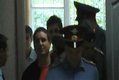 Повторное задержание Алексея Соколова в здании суда сразу же после освобождения.