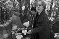 Внук Алексея Пичугина и его бабушка в гостях у Лии Ахеджаковой. Фото Владимира Телегина