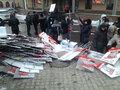 """""""Вставь депутату"""": активисты готовят плакаты с фотографиями парламентариев. Фото Николая Левшица"""