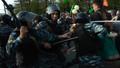 """Литвинов и его коллеги 6 мая на Болотной. Кадр видеозаписи, приложенной к """"делу о Болотной""""."""