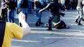 Избиение Гаскарова. Кадр видеозаписи с канала Youtube